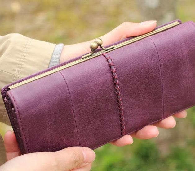 ブドウ色が美しい カードがたくさん入る 財布 大容量 長財布 レディース